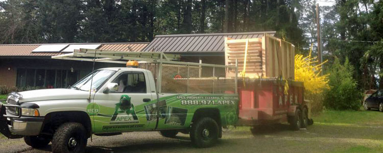Don't have a truck big enough to haul away old furniture, appliances, or other debris? Apex can help you with your Oregon property clean up!